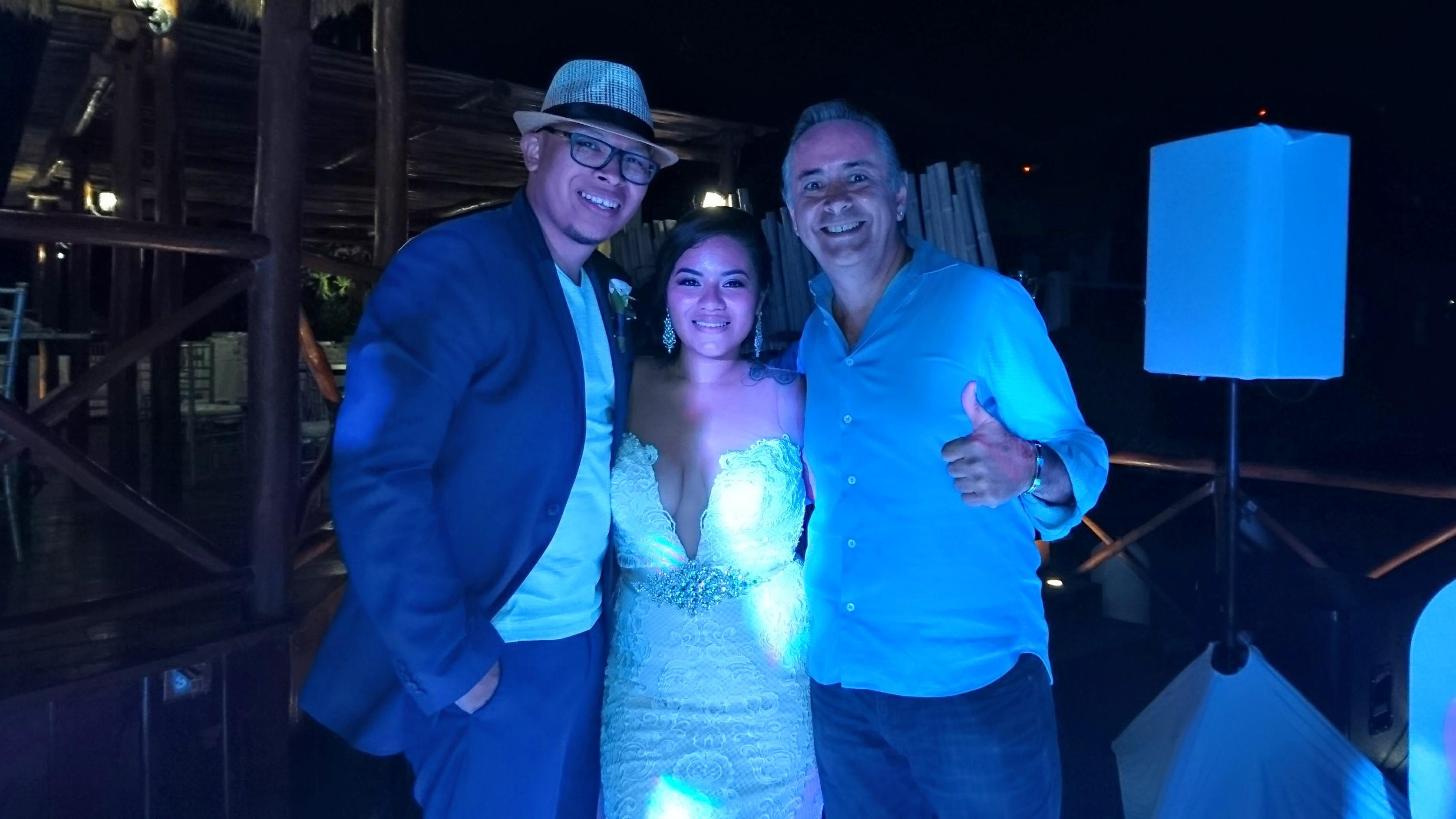 2017-05-05 Sr y Sra Bautista de El Salvador y México
