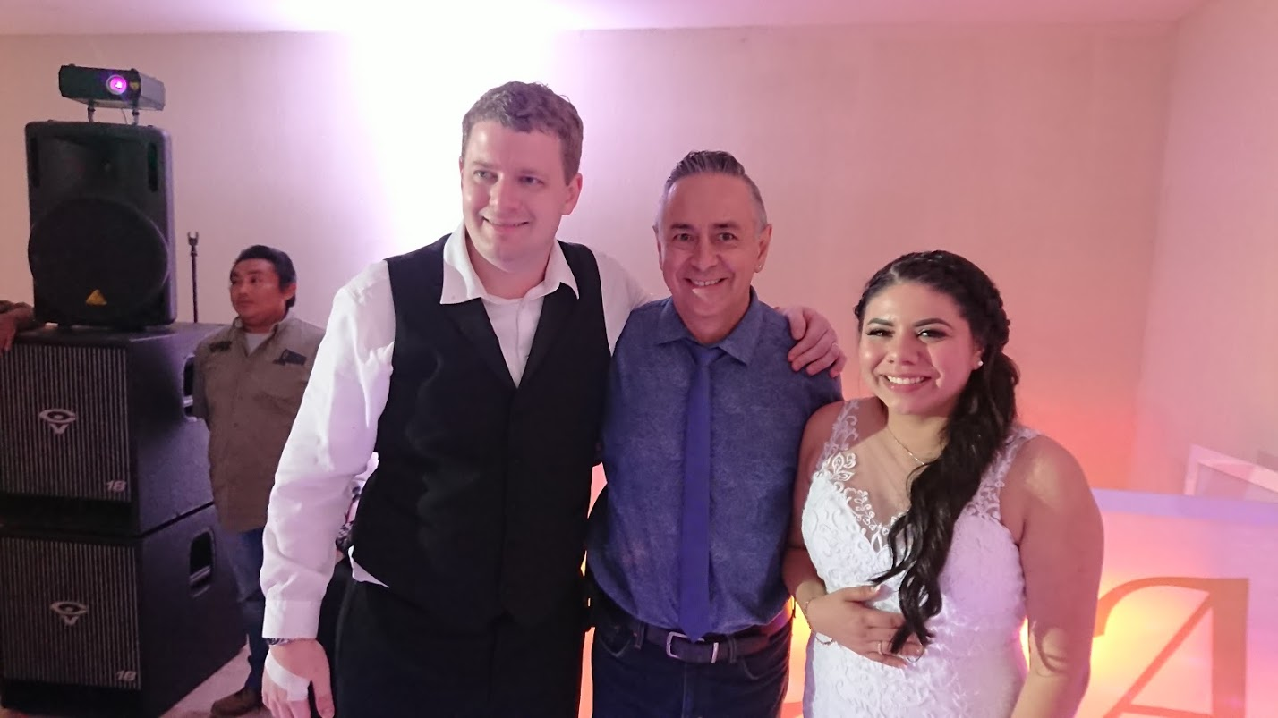 2019-11-23 Andrew & Lizeth Hall at Kristal Cancún